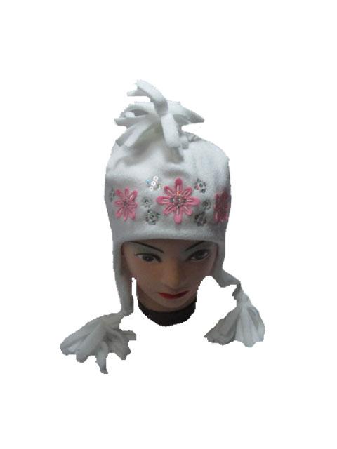 obvod 52,54-Dívčí zimní fleesová čepice - bílá barva